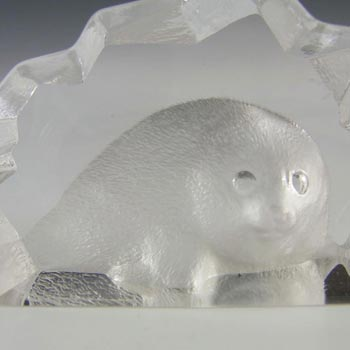 Mats Jonasson #88100 Glass Baby Seal Paperweight - Signed - Click Image to Close