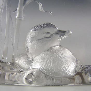 Mats Jonasson #3515 Glass Chick Paperweight - Signed - Click Image to Close