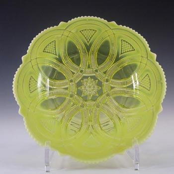 Davidson Primrose Pearline Uranium Glass 'Linking Rings' Bowl