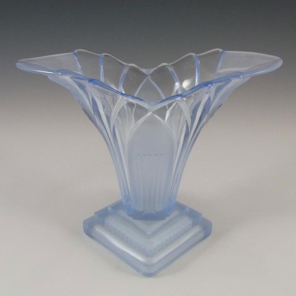"Walther & Sohne 6.5"" 1930's Art Deco Blue Glass 'Greta' Vase - Click Image to Close"
