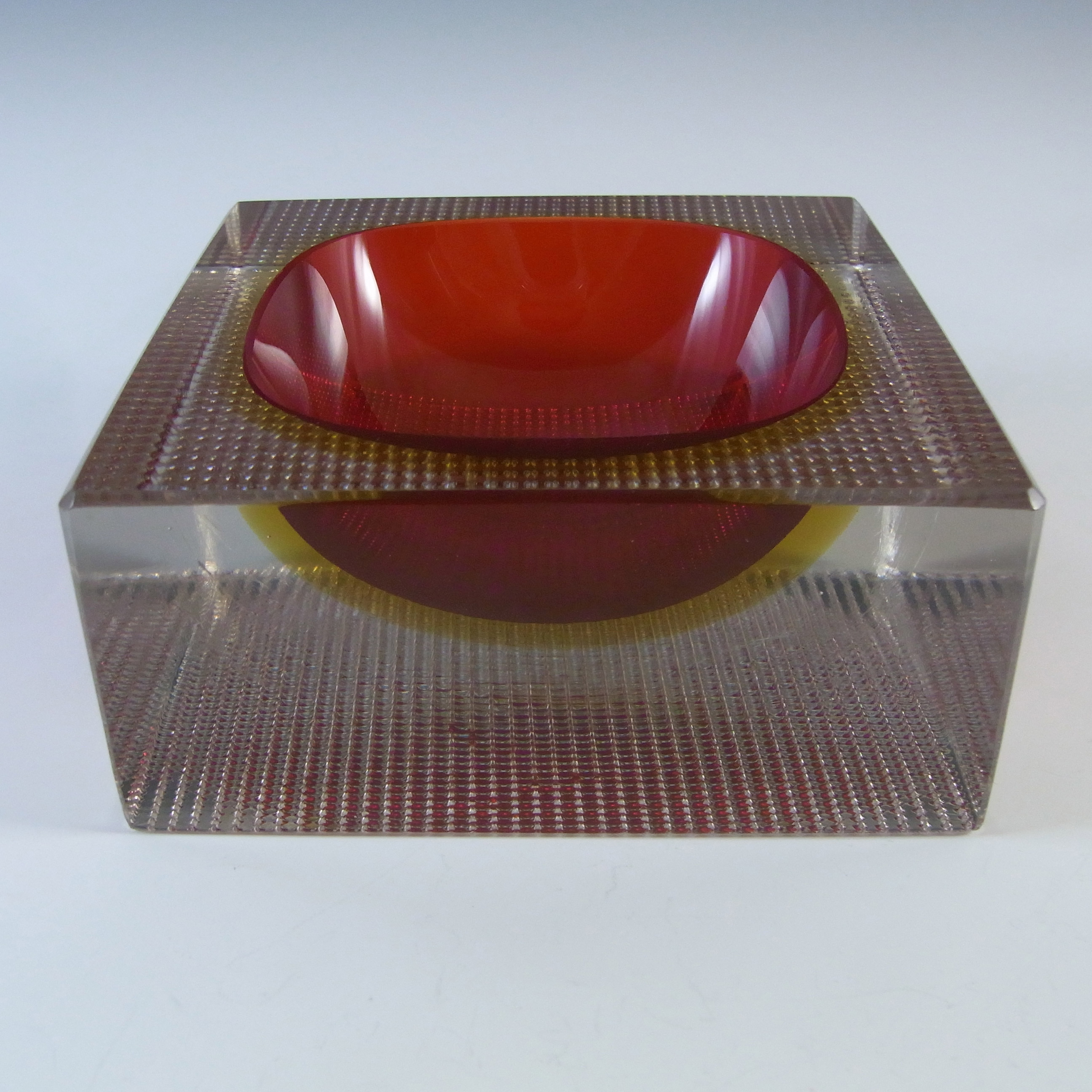 Murano Faceted Red & Amber Sommerso Glass Textured Bowl - Click Image to Close