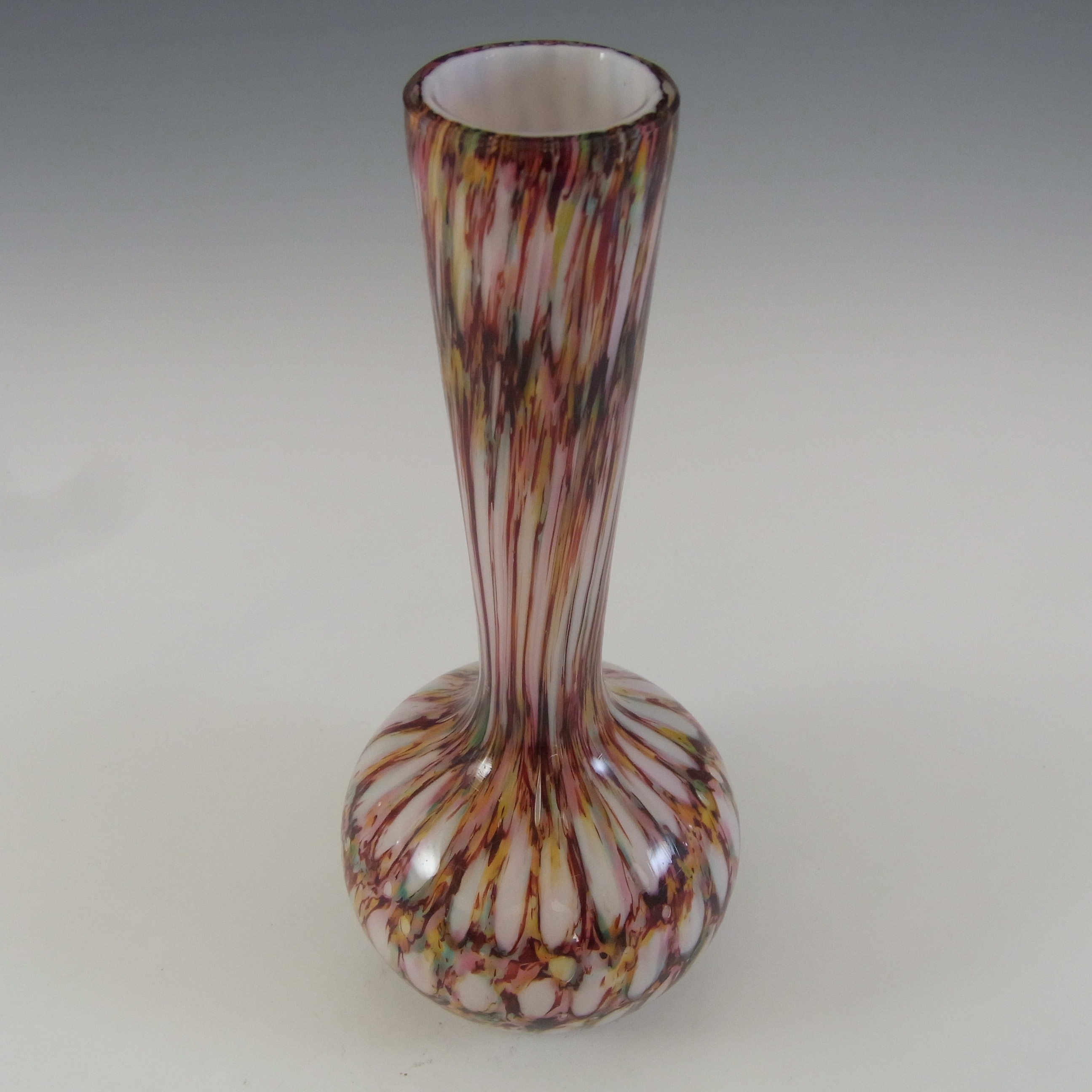 Welz Czech / Bohemian Honeycomb Spatter Glass Vase - Click Image to Close